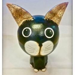 Gatto Scatola con orecchie grandi